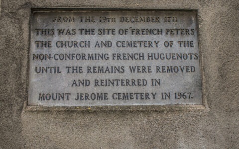 Le French Huguenot Cemetery