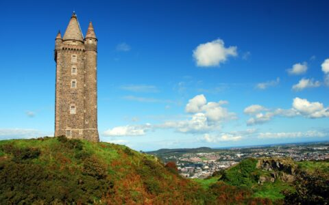 La Scrabo Tower - Robert Young - cc