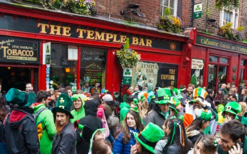 Temple Bar pendant la Saint Patrick