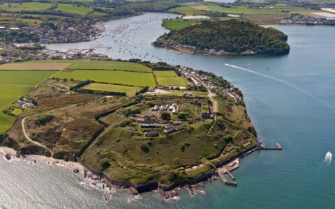 Le Fort Camden - http://www.camdenfortmeagher.ie