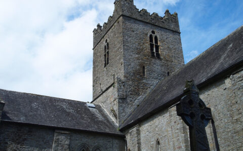La St Flannan's Cathedral - Lindy Buckley - cc