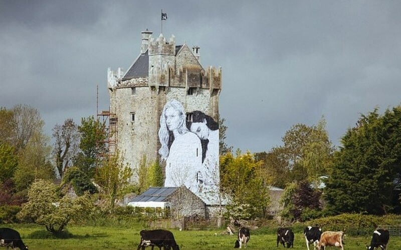 Le Caherkinmonwee Castle - Dave Sexton