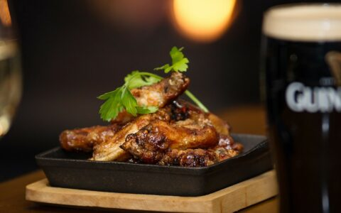 Des chicken wings - Keogh's Pub, Kinvara