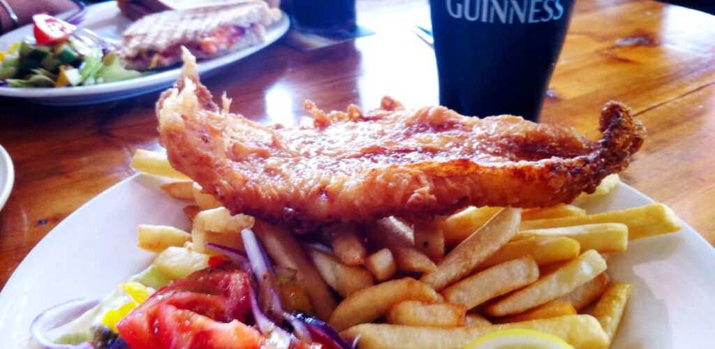 Un fish and chips et sa pinte de Guinness à Galway - Wayne Thume - cc