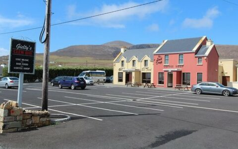 Le Gielty's Clew Bay Bar & Restaurant