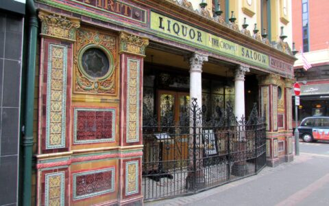 The Crown Liquor Saloon - Reading Tom - cc